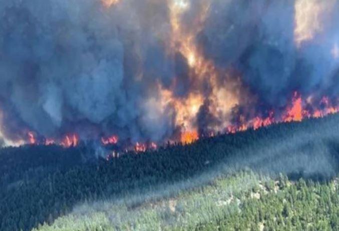 حمایت نظامی دولت فدرال برای مهار بیش از ۱۰۰ آتش سوزی فعال در بریتیش کلمبیا