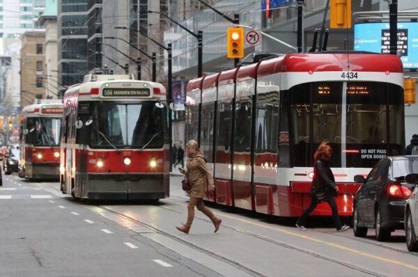 هزینه های حمل و نقل عمومی در کانادا